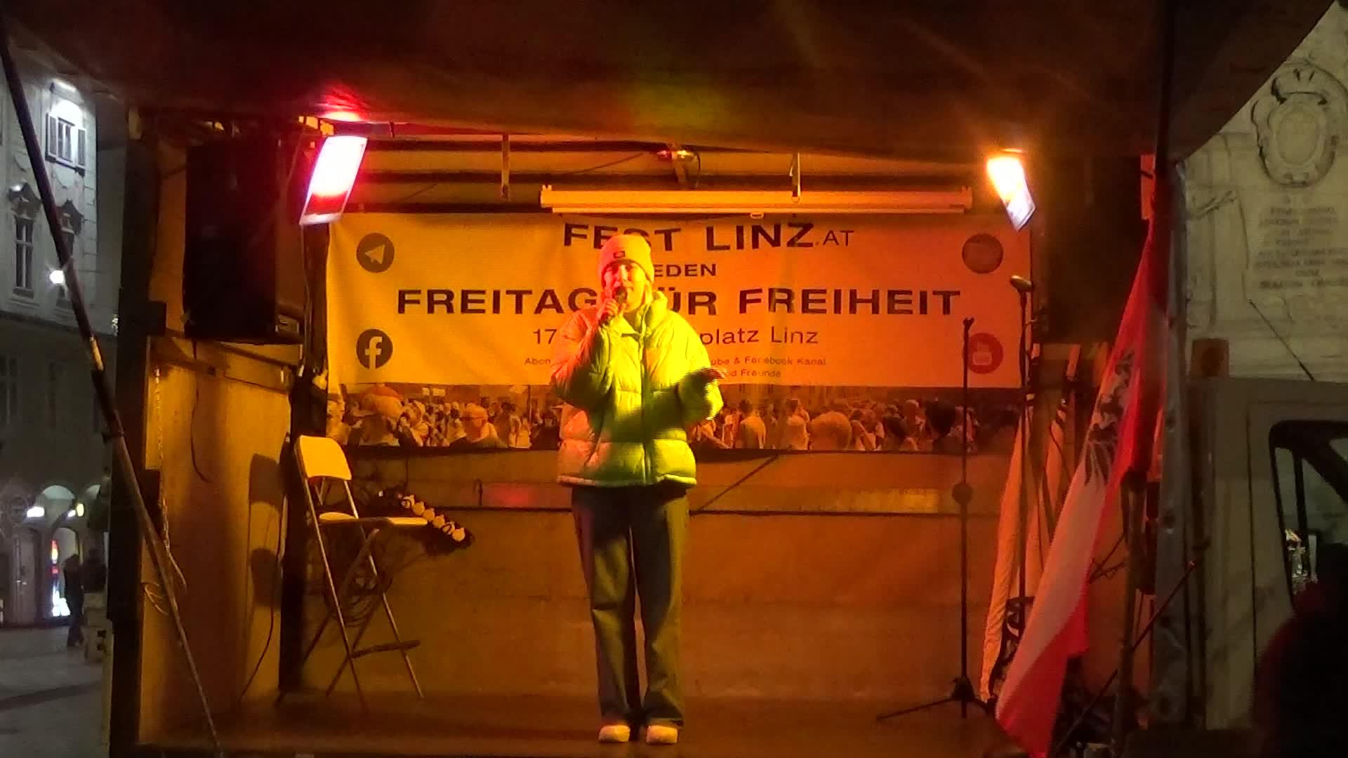 18.12.2020 - ICH BIN FREI - Linz -  18.12.2020 ICH BIN FREI - Emma ist 17 und Maturantin sie prangert den Diebstahl ihrer Jugend an