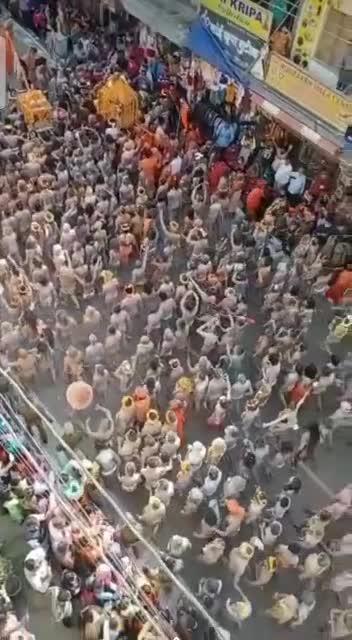 Indien - Millionen Gläubige bei der 2021 Kumbha Mela
